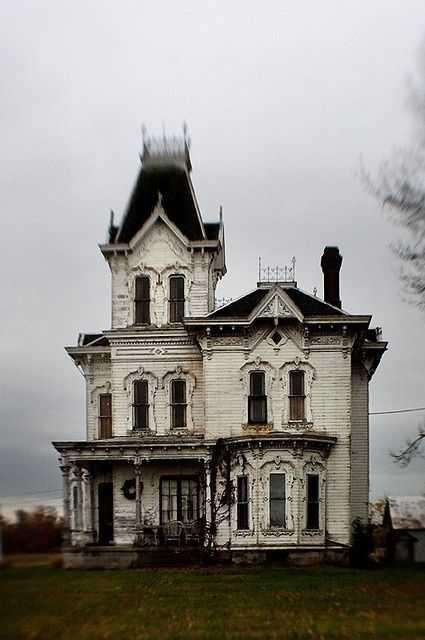 b81eb40b2aa7082deb6ef75d8e756cf0 Casas abandonadas que parecem mal assombradas