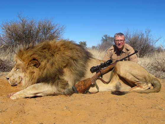 lion hunting Caçador: O pior do lixo humano