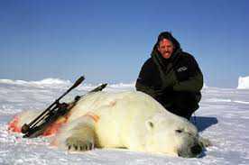 urso Caçador: O pior do lixo humano