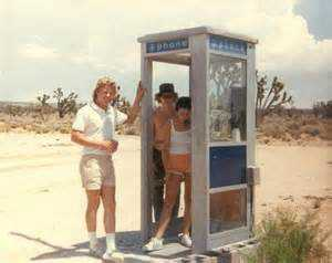 mojavephonebooth_californiakids