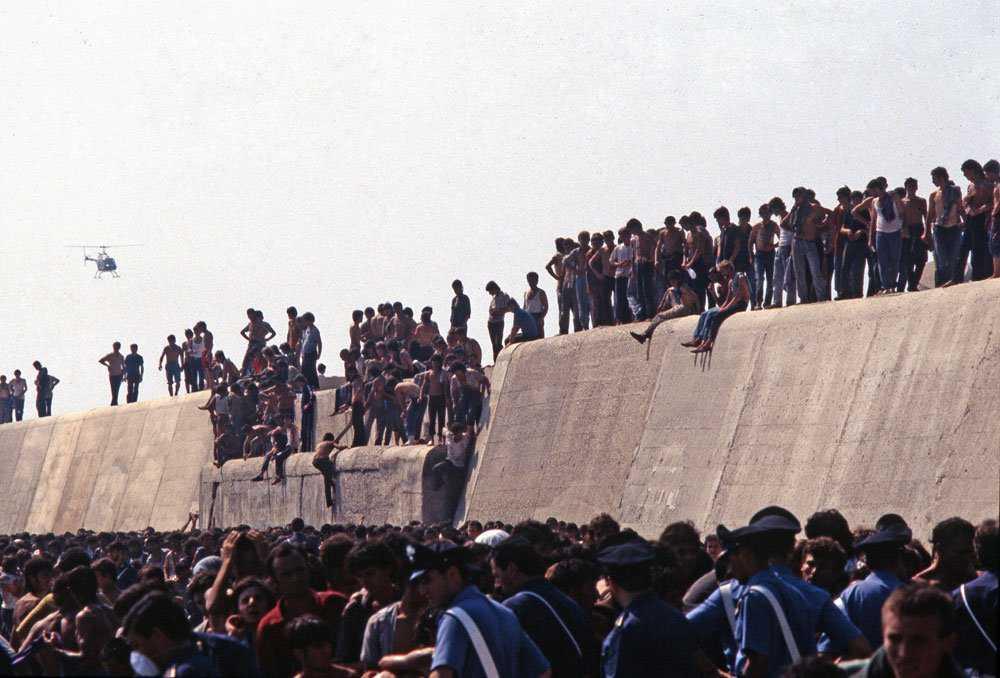 12120 Os refugiados do Vlora
