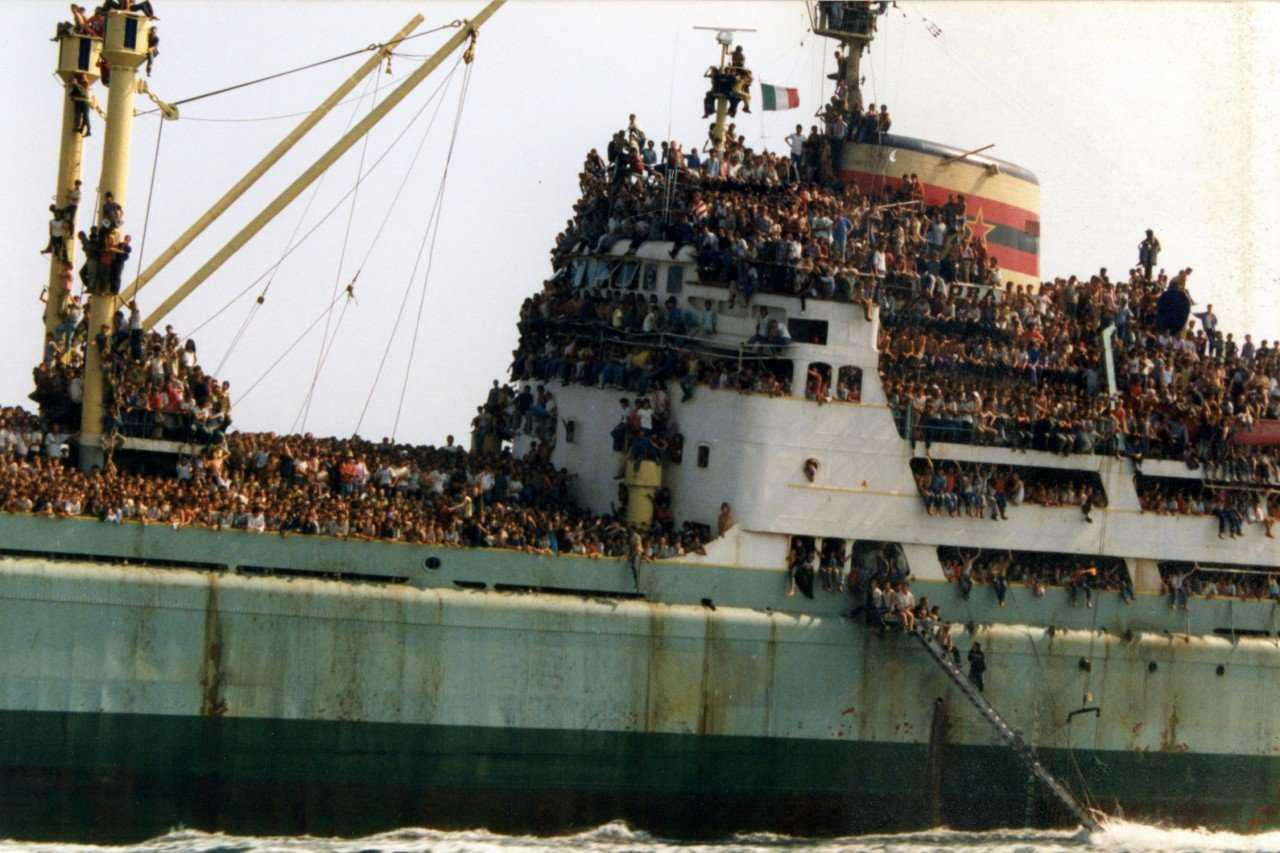 anija vlora 11 1280x853 Os refugiados do Vlora