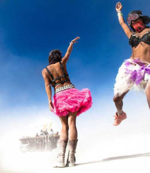 girls-burning-man-21