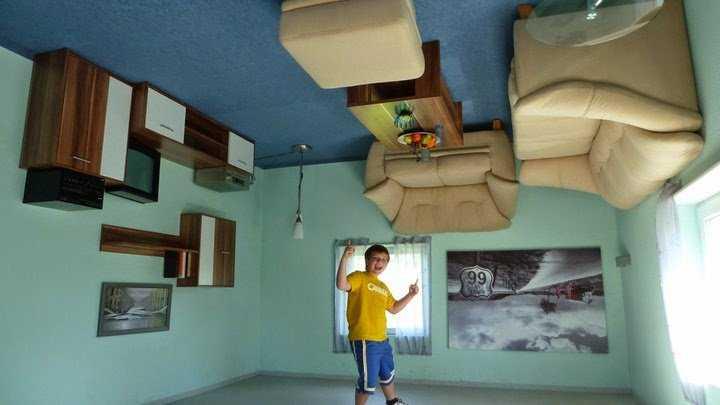 f68f5  Upside Down House in Haitibu Germany1 Casas de cabeça para baixo