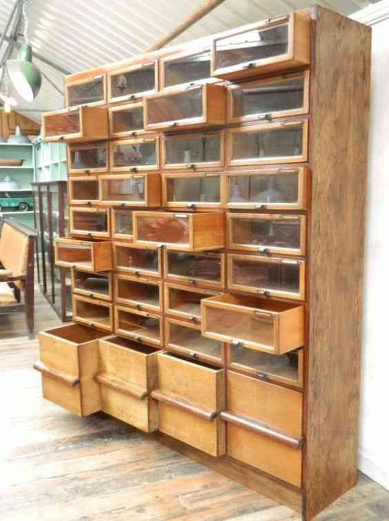 99c71cfbe0e507aba425182200b0de52 Vinte armários para artistas, colecionadores e modelistas