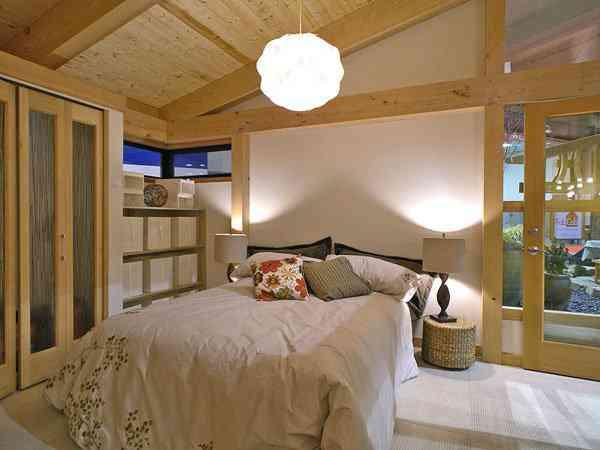 DSCN3175 sm Uma mini casa de madeira barata de construir