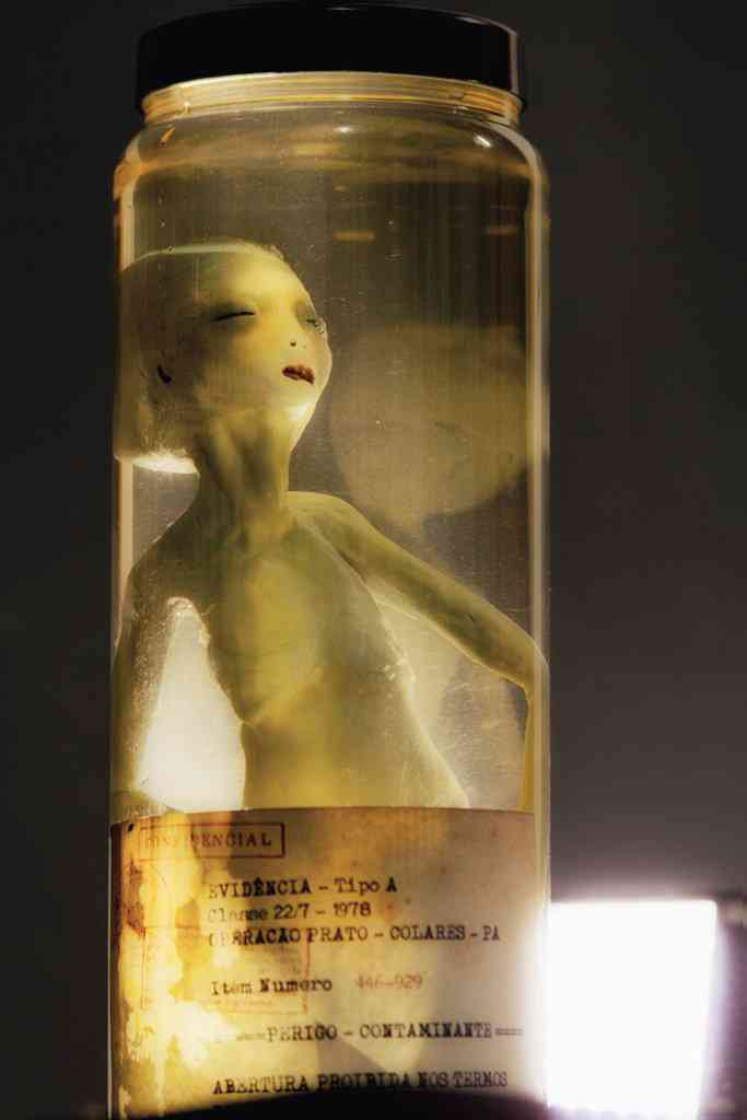 alien no pote 6 Feto alien no tubo