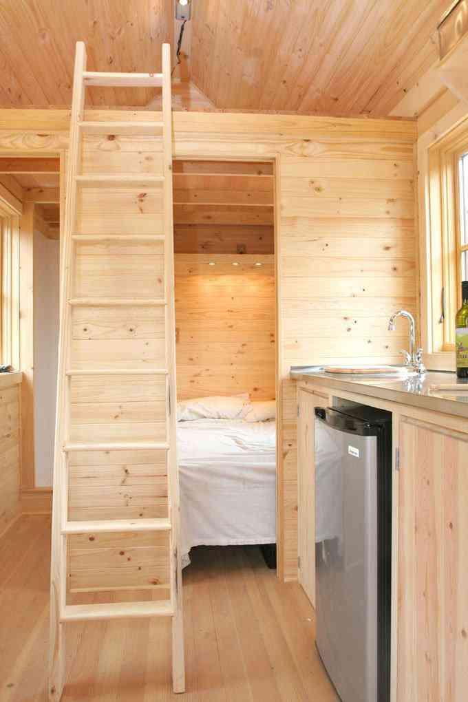 casa simples e barata 5 Uma mini casa de madeira barata de construir