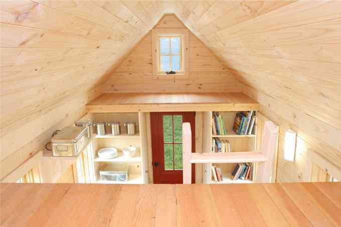 casa simples e barata 6 Uma mini casa de madeira barata de construir