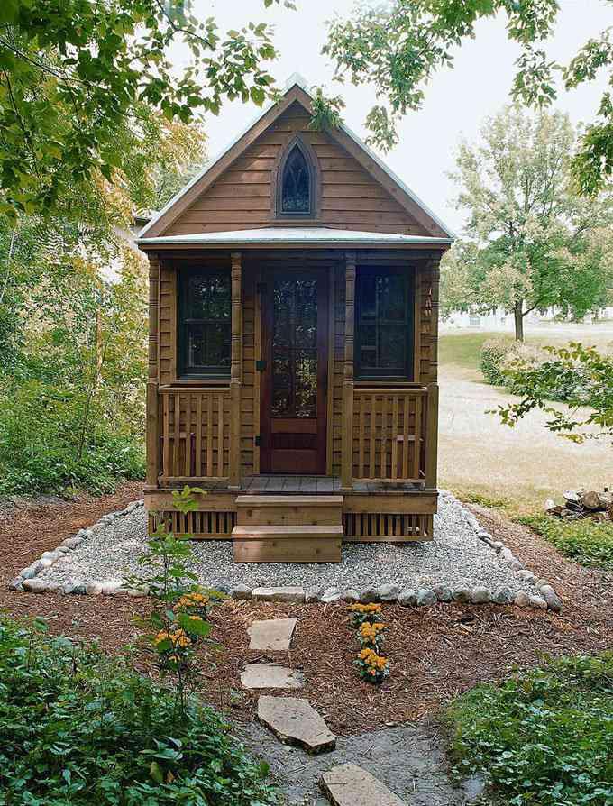 casa simples e barata 7 Uma mini casa de madeira barata de construir