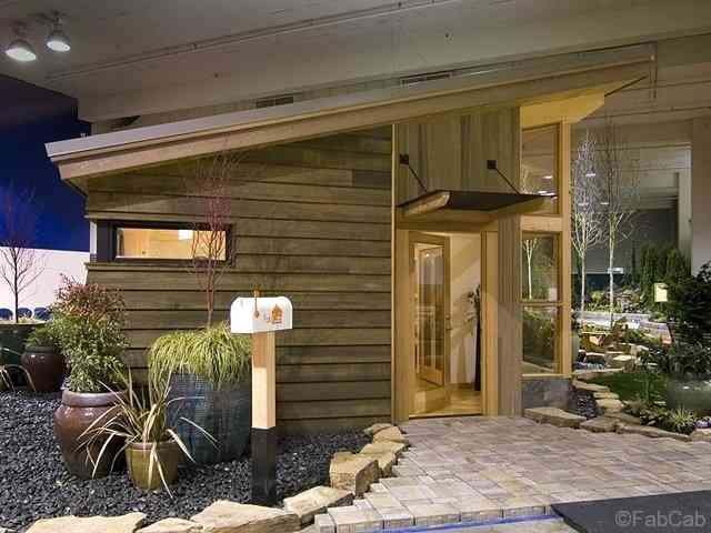 fabcab exterior Uma mini casa de madeira barata de construir