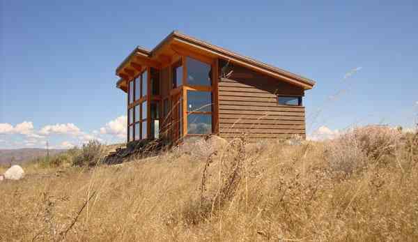 house 3 sm Uma mini casa de madeira barata de construir