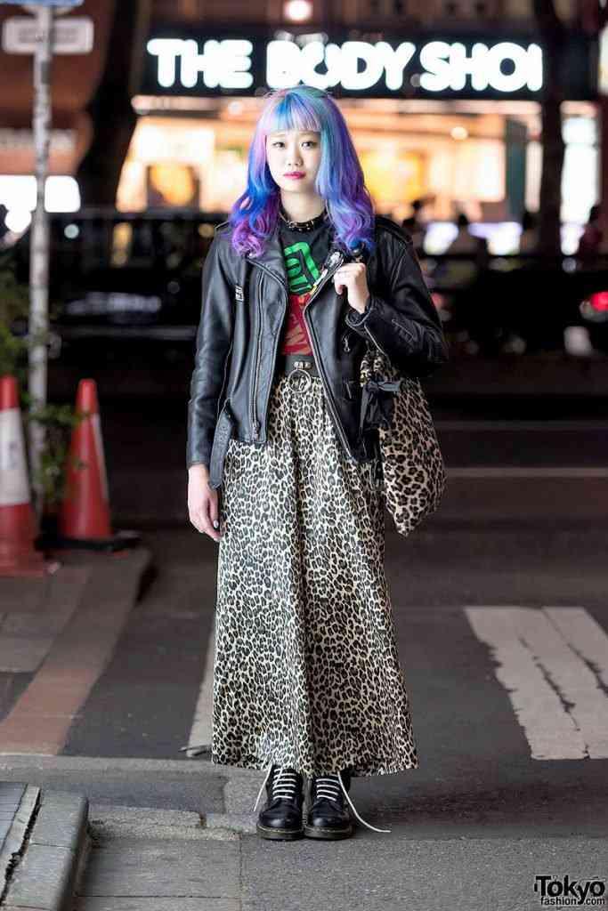 0 199ae6 79d29b24 orig 683x1024 Moda nas ruas do Japão