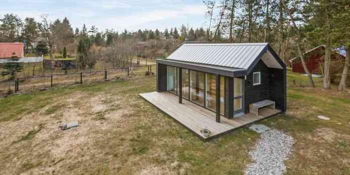 290416 10 696x348 Uma micro casa na Escandinávia e outros projetos de cair o queixo