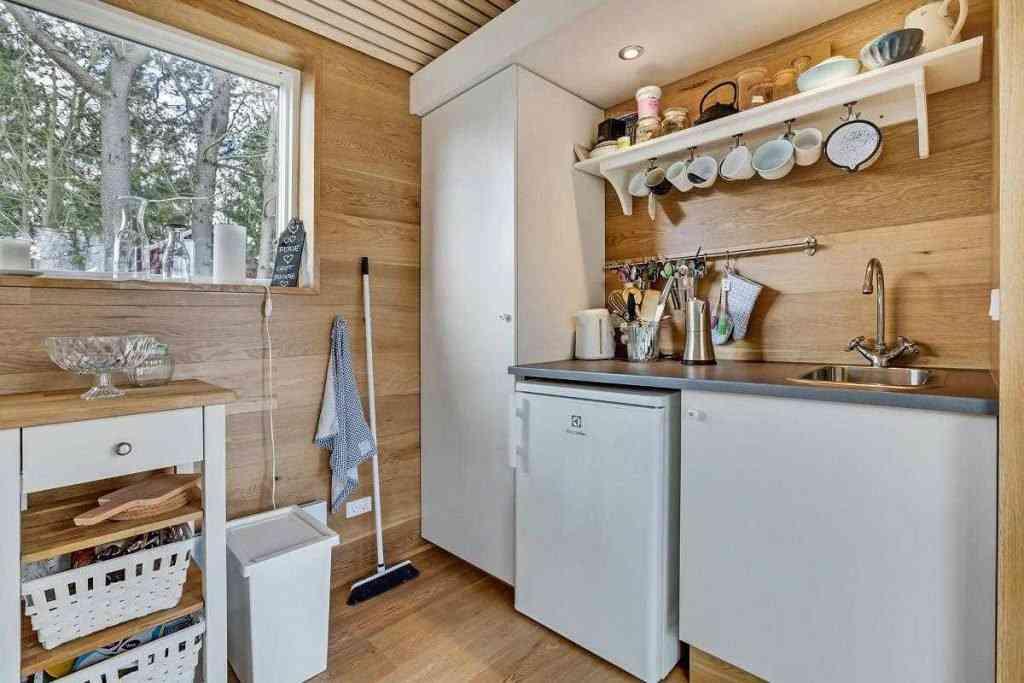 290416 19 1024x683 Uma micro casa na Escandinávia e outros projetos de cair o queixo