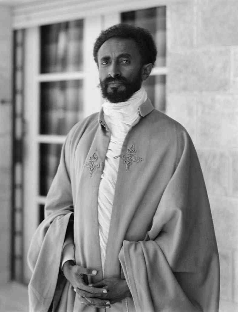800px Selassie restored 784x1024 O Jesus finalmente voltou? Na Russia? Veja mais um (entre muitos) pirados