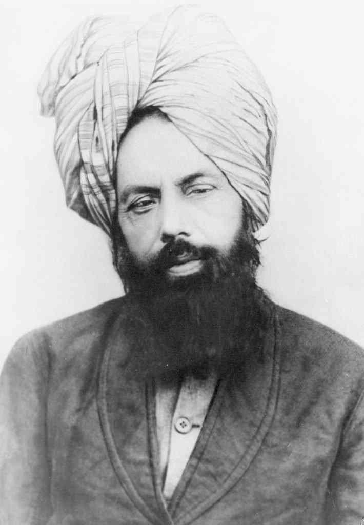 Mirza Ghulam Ahmad c. 1897 710x1024 O Jesus finalmente voltou? Na Russia? Veja mais um (entre muitos) pirados