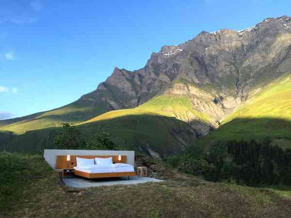 Null Stern hotel2 600x450 O mais bizarro hotel dos Alpes Suíços é esta... Cama.