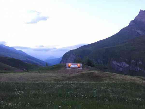 Null Stern hotel5 600x450 O mais bizarro hotel dos Alpes Suíços é esta... Cama.