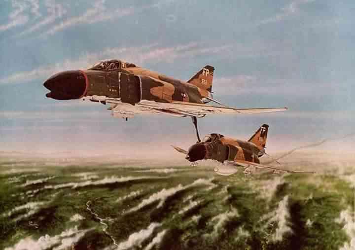 FB IMG 1473050172555 O piloto que literalmente empurrou um avião em pleno voo