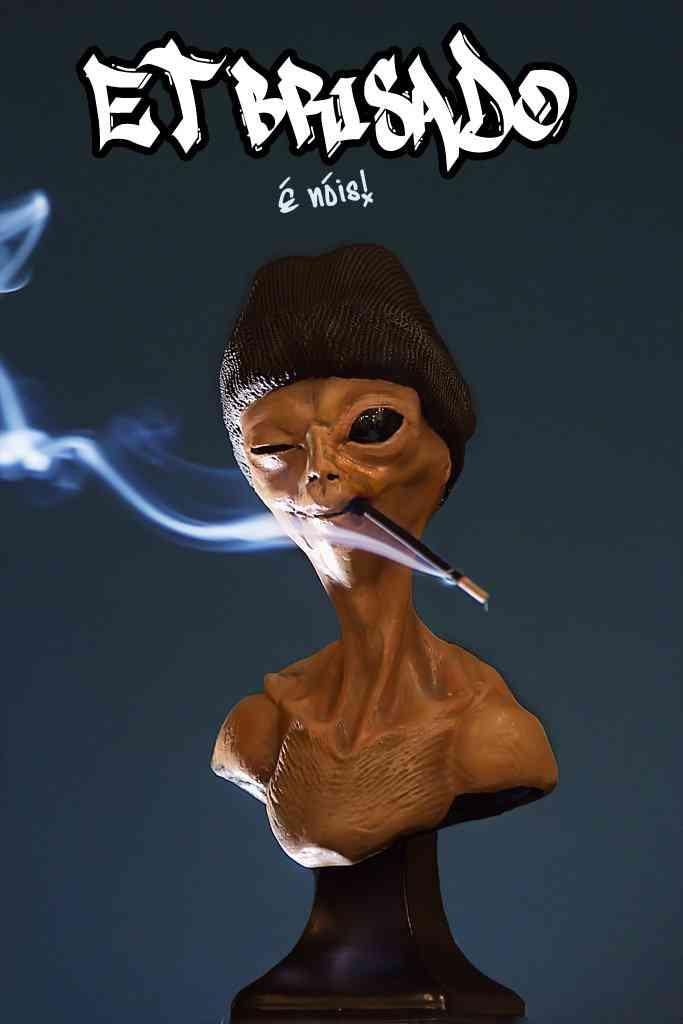brisado2low Chegou o ET Brisado, o alien mais chapado do universo