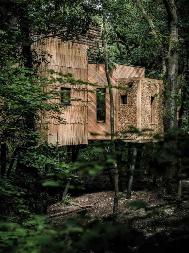 0 1bd2bf 953c7fcd orig 768x1024 Uma casa na árvore