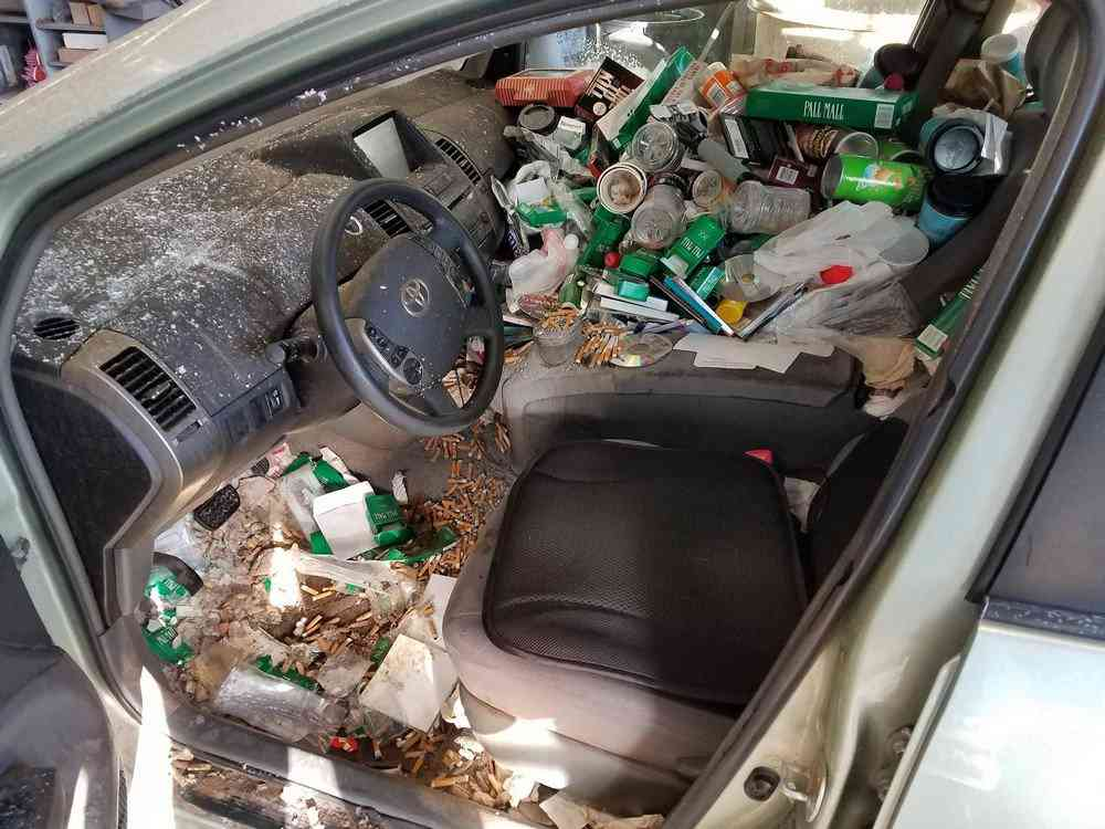 0 1bfbd1 4caf1bdf orig Carro sujo: Você não vai acreditar no grau de imundície desse carro!