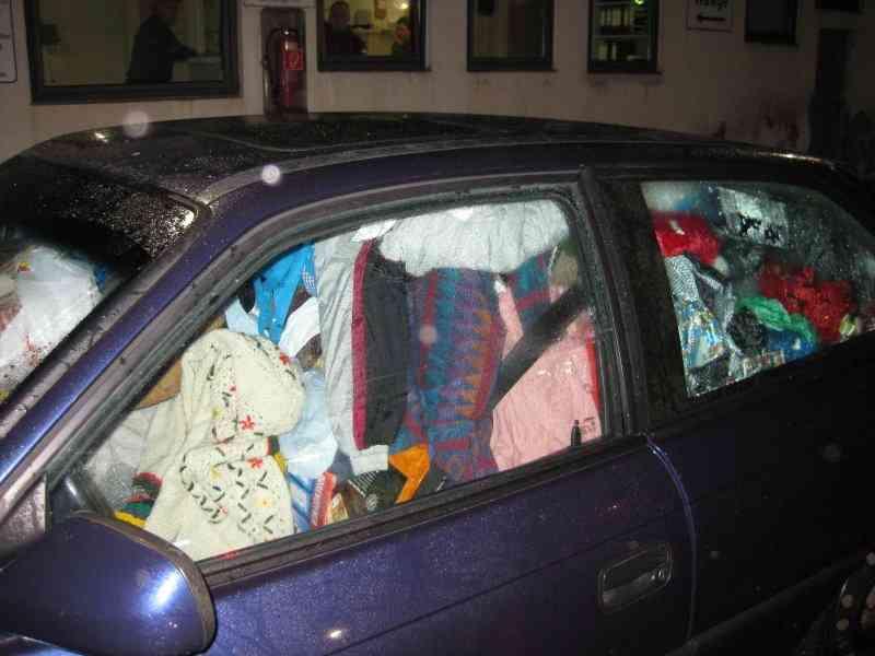 691106936 Carro sujo: Você não vai acreditar no grau de imundície desse carro!