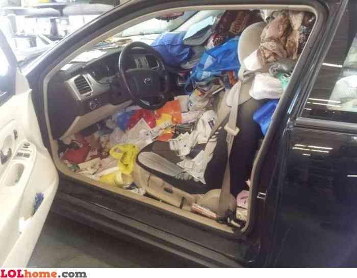 7cdba41c8989b8fa2e0f149dd04d9a3a Carro sujo: Você não vai acreditar no grau de imundície desse carro!