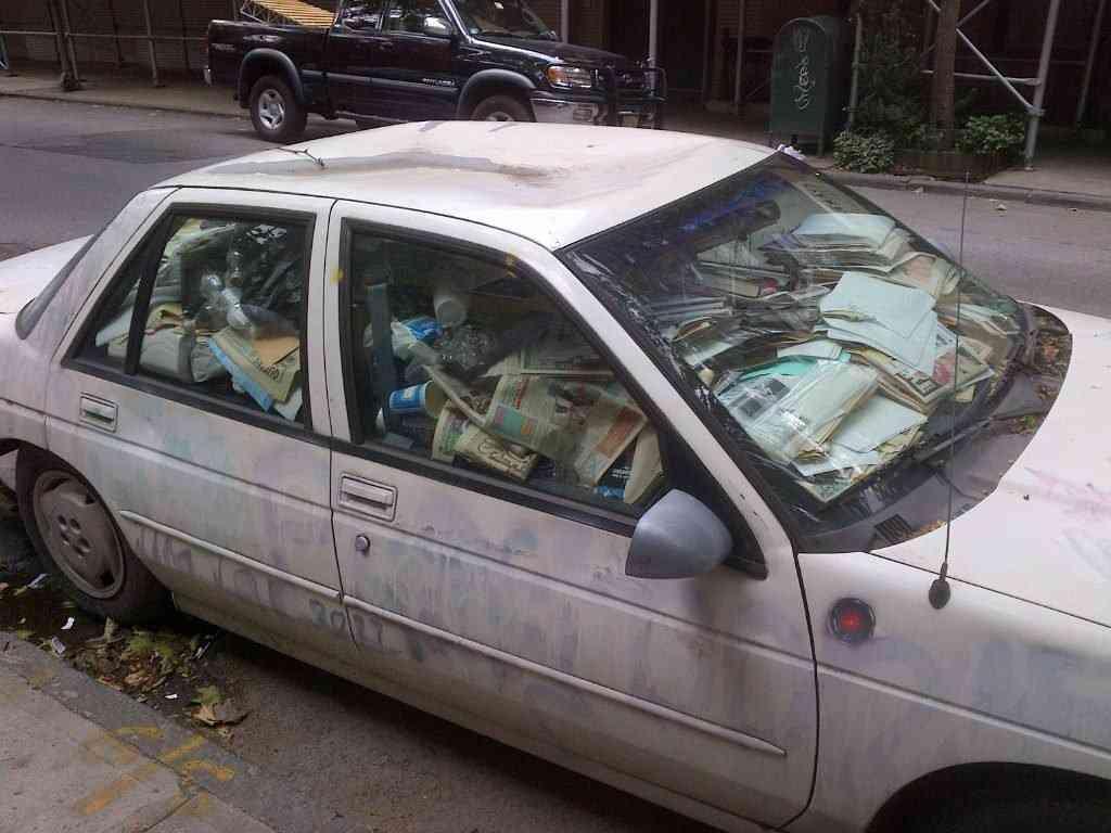 qNpp0 1024x768 Carro sujo: Você não vai acreditar no grau de imundície desse carro!