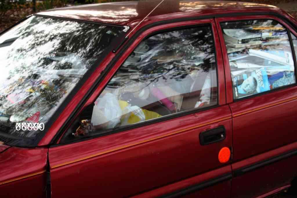 yopluOM 1024x682 Carro sujo: Você não vai acreditar no grau de imundície desse carro!