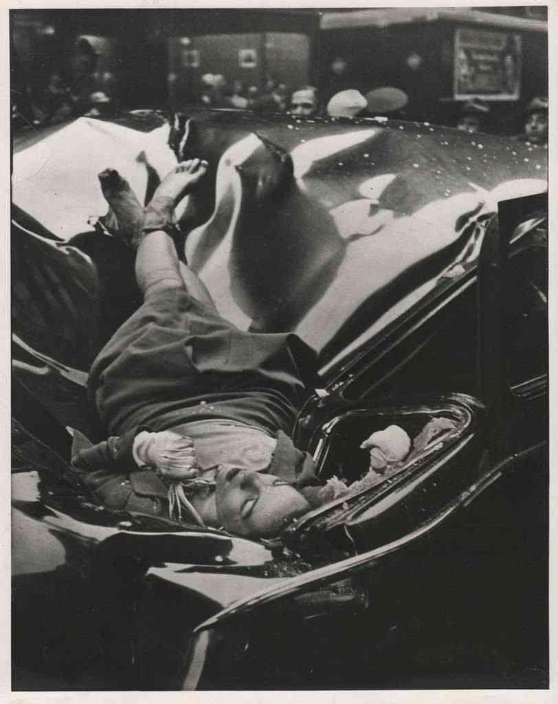 unnamed 29 812x1024 Foto Gump: O suicídio de Evelyn McHale