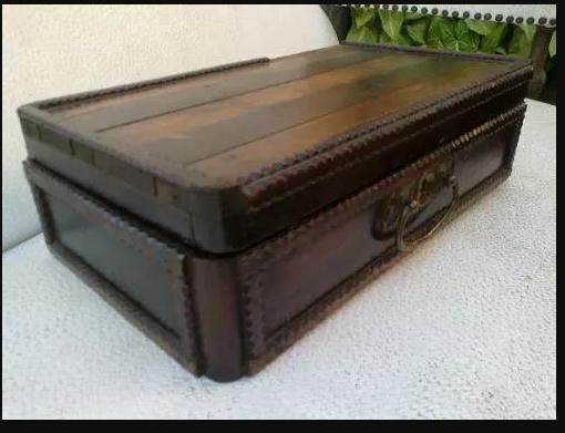 caixa antiga madeira D NQ NP 14057 MLB3894060706 022013 O.webp 500×375  A caixa do Dr Van Helsing