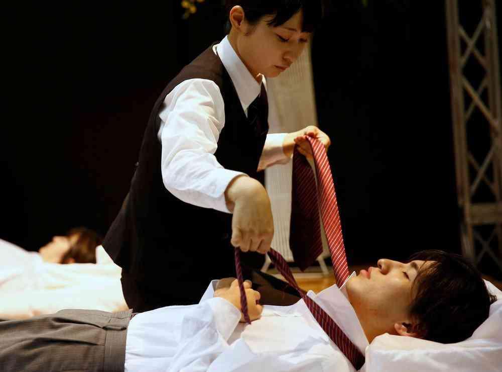 0 1de765 e5740aef orig Fashion defunto week: A moda dos mortos no Japão