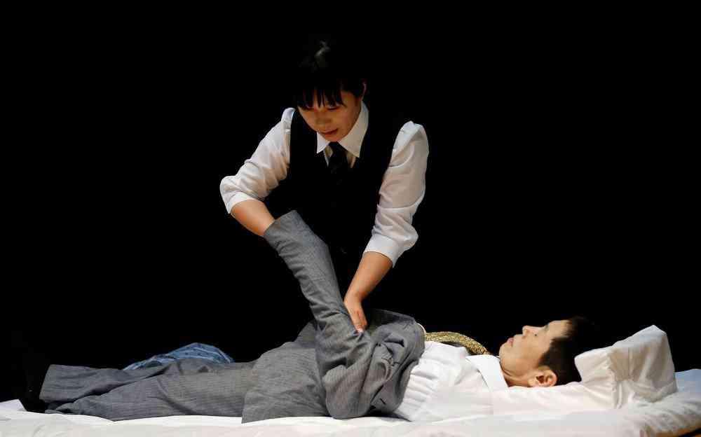 0 1de767 75485246 orig Fashion defunto week: A moda dos mortos no Japão