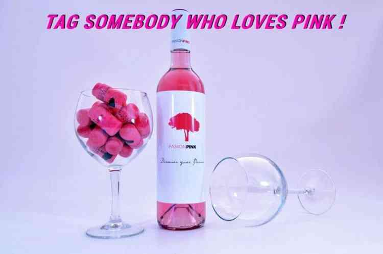 colored wine3 750x498 Colorindo vinho: Empresa espanhola fatura alto com vinho colorido