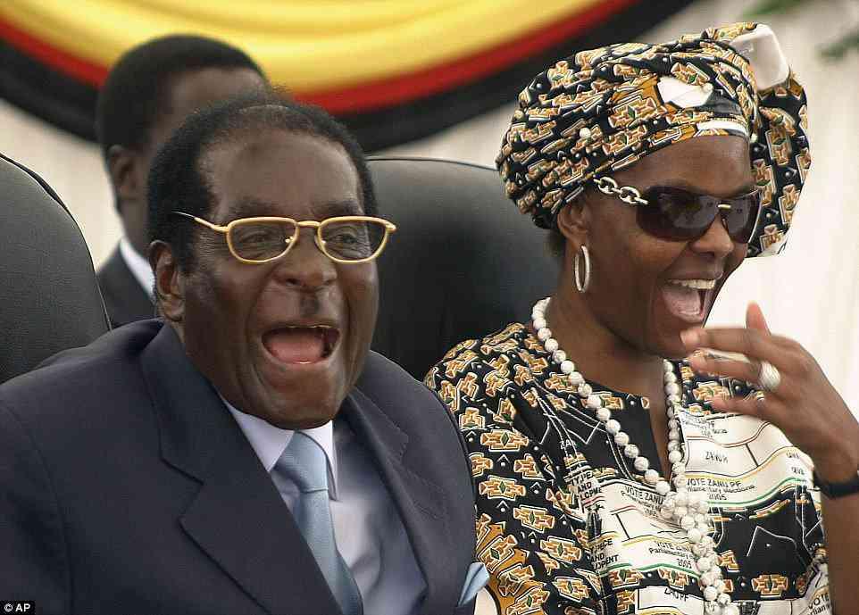 4669723700000578 5088505 image a 6 1510837461135 A casa do Mugabe