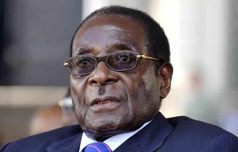 eu eases zimbabwe sanctions keeps them on mugabe A casa do Mugabe