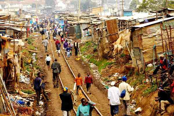 povert africa oped A casa do Mugabe
