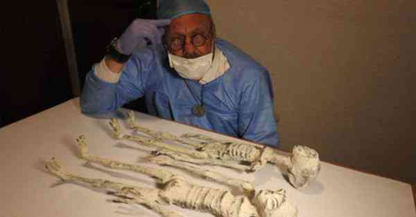Momias extraterrestres de Perú no son falsas asegura científico. Vídeo Investigadores independentes confirmam que a estranha múmia encontrada no deserto é de um extraterrestre. Será?