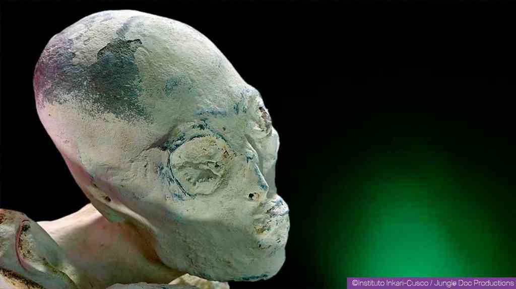 maria humanoide hybride 2 1024x574 Investigadores independentes confirmam que a estranha múmia encontrada no deserto é de um extraterrestre. Será?