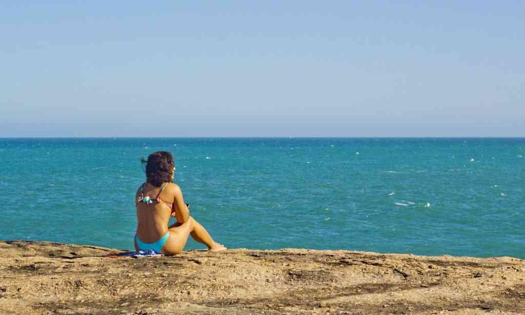 mulherdomar 1024x615 Uma tarde na praia