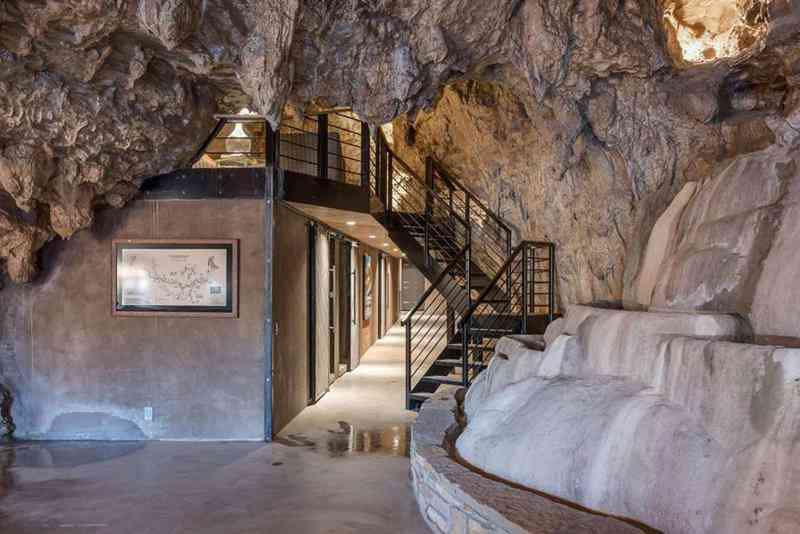 3a15f73fb2ae2637d91163af10e1d786 Casa caverna à venda. Alguém avise ao Bruce Wayne.