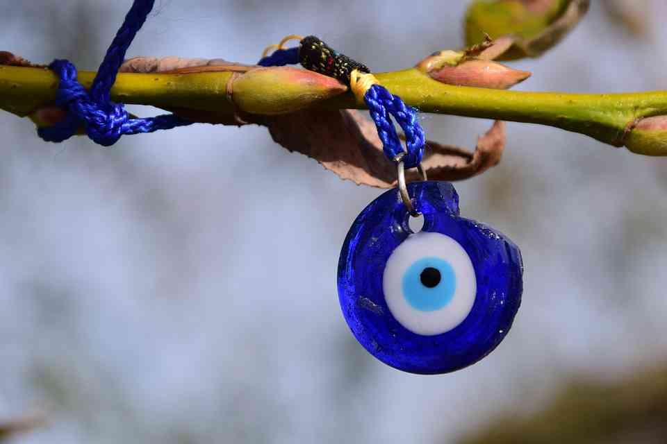 eye 1710285 960 720 Amuletos e eventos de extraordinária fortuna em todo o mundo
