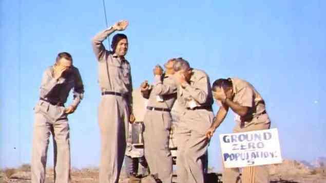 cinco homens ficaram embaixo de bomba atomica Os cinco caras que se voluntariaram para que o governo explodisse uma bomba atômica em cima deles