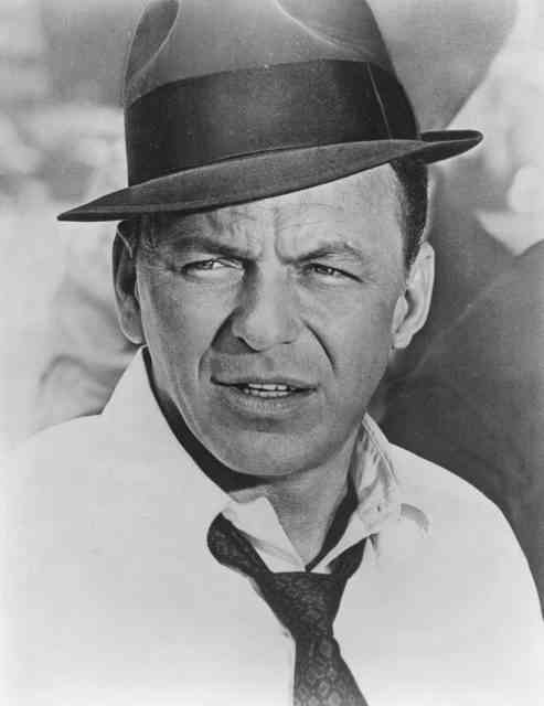 frank sinatra as tony rome 493x640 Como Frank Sinatra quase foi John McLane, o protagonista de duro de matar