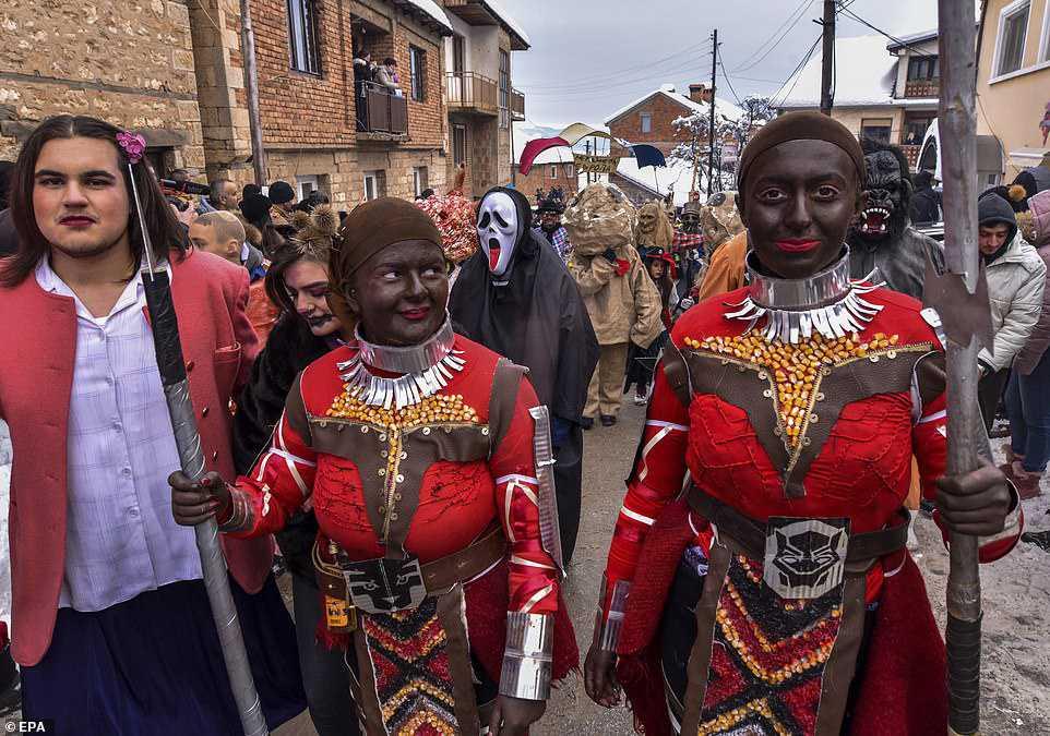 601476d923c1 Carnaval peculiar da Macedônia lembra um pesadelo de entorpecentes