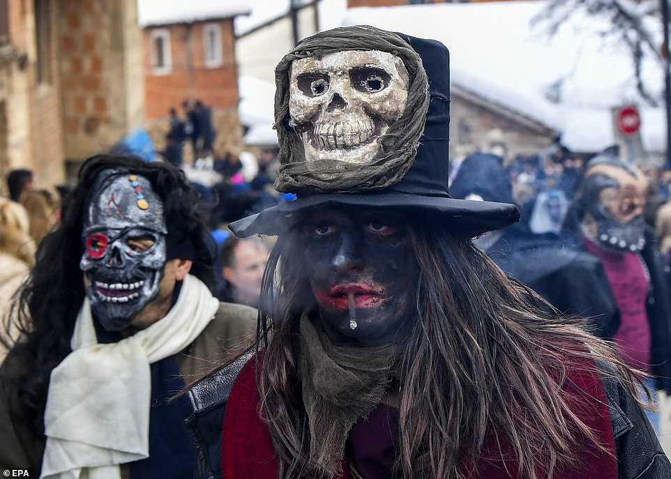 f356a273f81f Carnaval peculiar da Macedônia lembra um pesadelo de entorpecentes