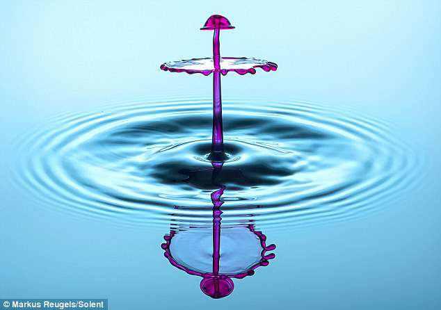 377608article 0 0B9FBA0700000578 808 634x446 A beleza da água numa fração de segundo