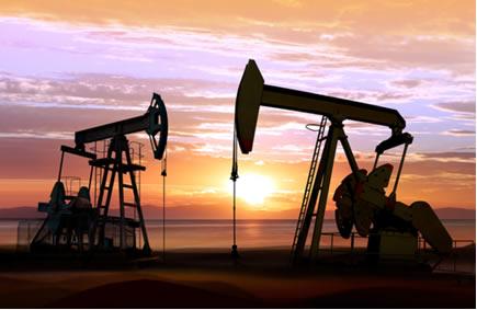 petróleo sendo extraído de plataformas para distribuição e armazenamento